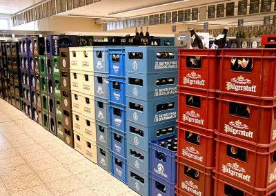 Bierkästen bei EDEKA Getränkemarkt in Oberdorla
